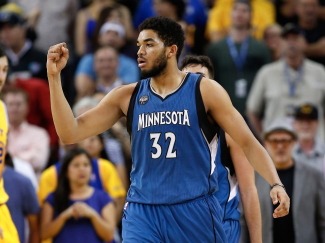 one-play-shows-why-karl-anthony-towns-the-20-year-old-whos-locked-up-rookie-of-the-year-is-going-to-take-over-the-league